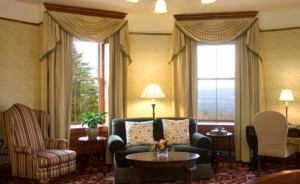 mohonk-mountain-house-guest-room2